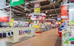 Interior del M-vídeo de la tienda de la electrónica Es el ruso más grande Foto de archivo