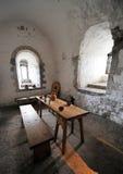 Interior del mantiene del castillo de Dover imagenes de archivo