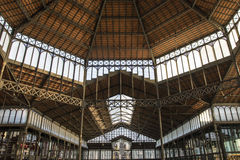 Interior del Mercat del Born, un centro cultural en el EL llevado, Barcelona, Cataluña, España foto de archivo libre de regalías