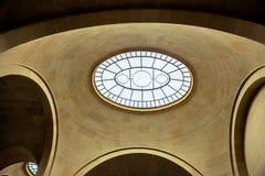 Interior del museo del Louvre Fotos de archivo libres de regalías