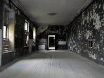 Interior del palacio abandonado en Bielorrusia Foto de archivo