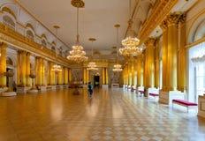 Interior del palacio del invierno (ermita del estado) Fotos de archivo libres de regalías