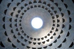 Interior del panteón en Roma, Italia Imagen de archivo libre de regalías