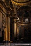 Interior del pasillo de la catedral Fotografía de archivo
