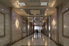 Interior del paso subterráneo en la avenida de Neftchilar fotografía de archivo libre de regalías