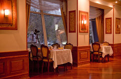 Interior del restaurante de la vendimia Imagen de archivo libre de regalías