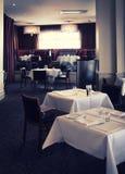 Interior del restaurante elegante Foto de archivo