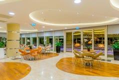 Interior del restaurante moderno Foto de archivo libre de regalías