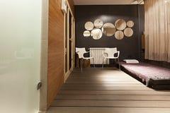 Interior del salón de belleza - área del masaje Imagen de archivo libre de regalías