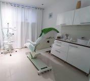 Interior del salón sano moderno del balneario de la belleza. Sitio del tratamiento. Imagenes de archivo