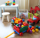 Interior del sitio de niños con los juguetes Foto de archivo libre de regalías