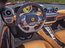 Interior del tablero de instrumentos de Ferrari Foto de archivo