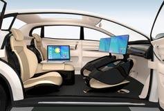 Interior design autonomo dell'automobile Concetto per nuovo stile del lavoro di affari quando passano la strada illustrazione vettoriale