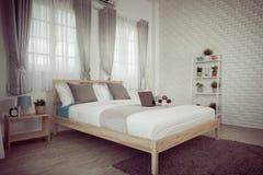 Interior design della camera da letto dell'hotel Studio bianco della regolazione della camera da letto per Fotografie Stock