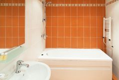 Interior design: a empty hotel beautiful bathroom.  Royalty Free Stock Images