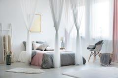 Interior design equilibrato e calmo fotografia stock libera da diritti