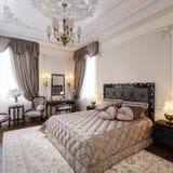 Interior design moderno classico di lusso della camera da letto Fotografia Stock Libera da Diritti