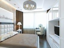Interior design moderno della camera da letto con mobilia bianca Fotografia Stock Libera da Diritti