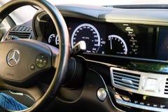 Interior (Designo) da S-classe usada S350 de Mercedes-Benz por muito tempo (W221 Fotos de Stock Royalty Free