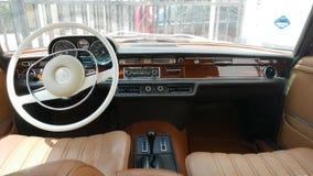 Interior diseñado retro de Mercedes-Benz 289SE, Lima Foto de archivo libre de regalías