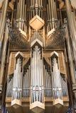 Interior do órgão moderno da igreja de Hallgrimskirkja em Reykjavik, Islândia fotos de stock royalty free