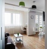 Interior do apartamento moderno no estilo escandinavo Fotografia de Stock