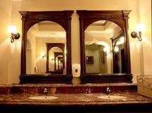 Interior do banheiro imagem de stock