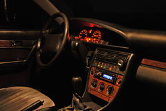 Interior do carro na noite. Imagem de Stock