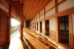Interior do castelo velho em Japão imagem de stock