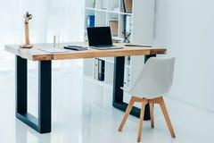 interior do escritório branco moderno fotografia de stock royalty free