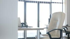 Interior do escritório para negócios com o ninguém nele vídeos de arquivo