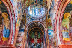 Interior do monastério de Gelati perto de Kutaisi, Geórgia fotos de stock royalty free