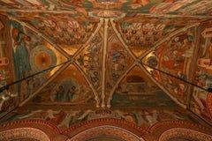 Interior do monastério de Putna, Bucovina, Romênia imagem de stock royalty free