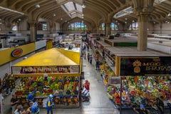 Interior do Municipal municipal de Mercado do mercado em Sao Paulo do centro - Sao Paulo, Brasil Fotos de Stock