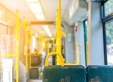 Interior do ônibus europeu moderno vazio da cidade Imagem de Stock