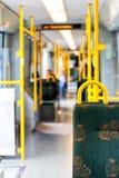 Interior do ônibus moderno vazio da cidade Imagem de Stock
