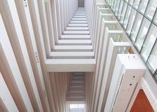 Interior do prédio de escritórios Fotos de Stock