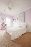 Interior do quarto da menina fotografia de stock royalty free