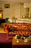 Interior do quarto do hotel de luxo imagens de stock royalty free