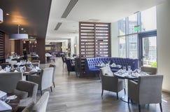 Interior do restaurante à moda imagem de stock royalty free