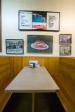 Interior do restaurante na montagem pairosa, foto de stock royalty free