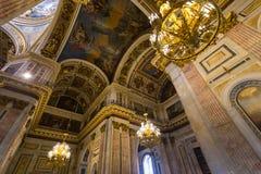 Interior do ` s da catedral do ` s de Isaac de Saint, St Petersburg Foto de Stock