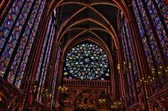 Interior do Sainte-Chapelle em Paris foto de stock royalty free