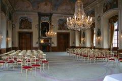 Interior do salão de dança checo do castelo Sightseeing de República Checa imagens de stock