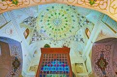 Interior do santuário de Imamzadeh Jalal Addin, Shiraz, Irã Fotografia de Stock Royalty Free