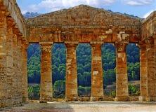 Interior do templo em Segesta fotografia de stock royalty free