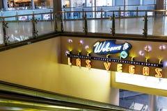 Interior do terminal D no aeroporto internacional de McCarran Foto de Stock