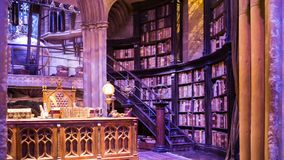 Interior do traje do escritório de Dumbledore e do ` s do professor Decoração Warner Brothers Studio para o filme Londres de Harr vídeos de arquivo