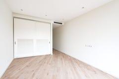 Interior dos apartamentos luxuosos do prestígio imagens de stock