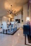 Interior elegante da sala de jantar Imagem de Stock Royalty Free